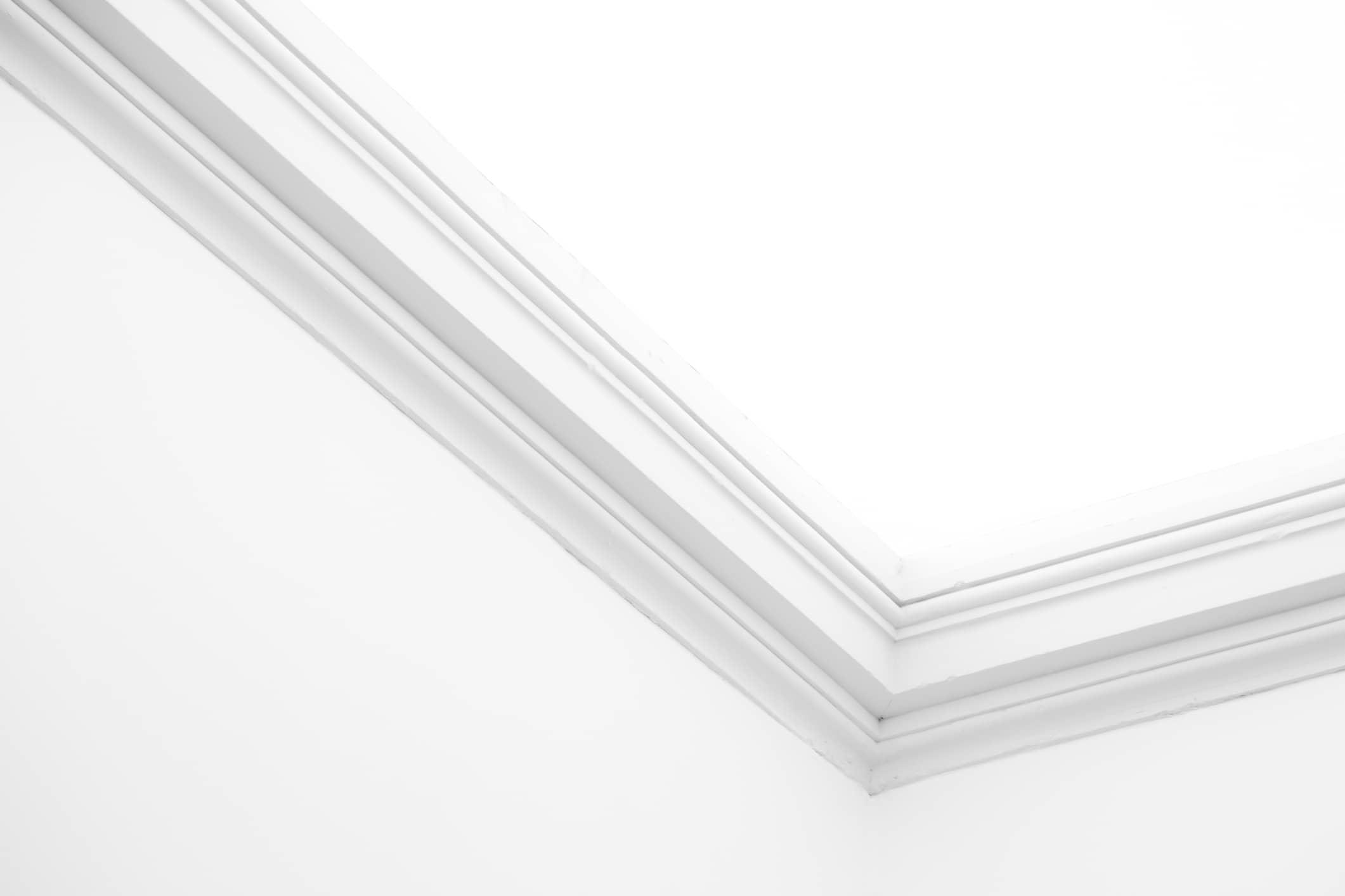 Ornamental-moulding-504007422_2125x1416